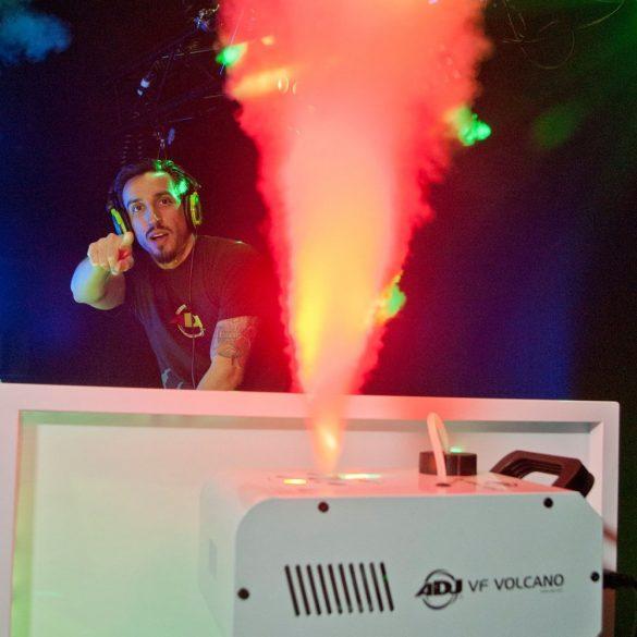 ADJ VF Volcano felfelé lövő LED-es füstgép white + Ajándék 5L füstfolyadék